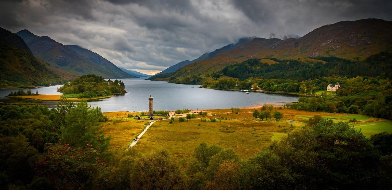 The Glenfinnan Viaduct was famous long before Harry Potter ... |Glenfinnan Scotland