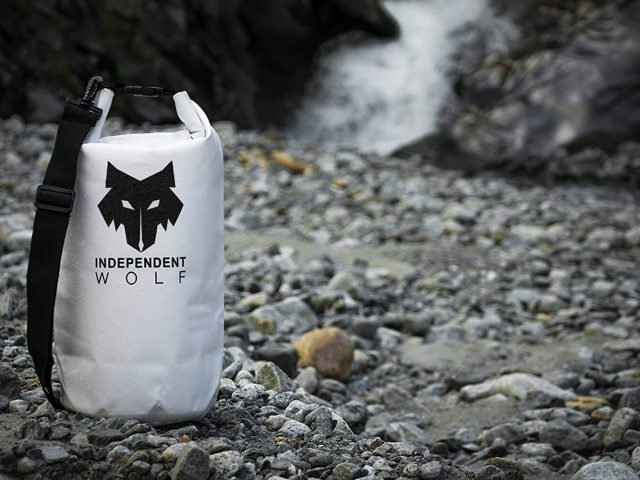 Independent Wolf dry bag and nature