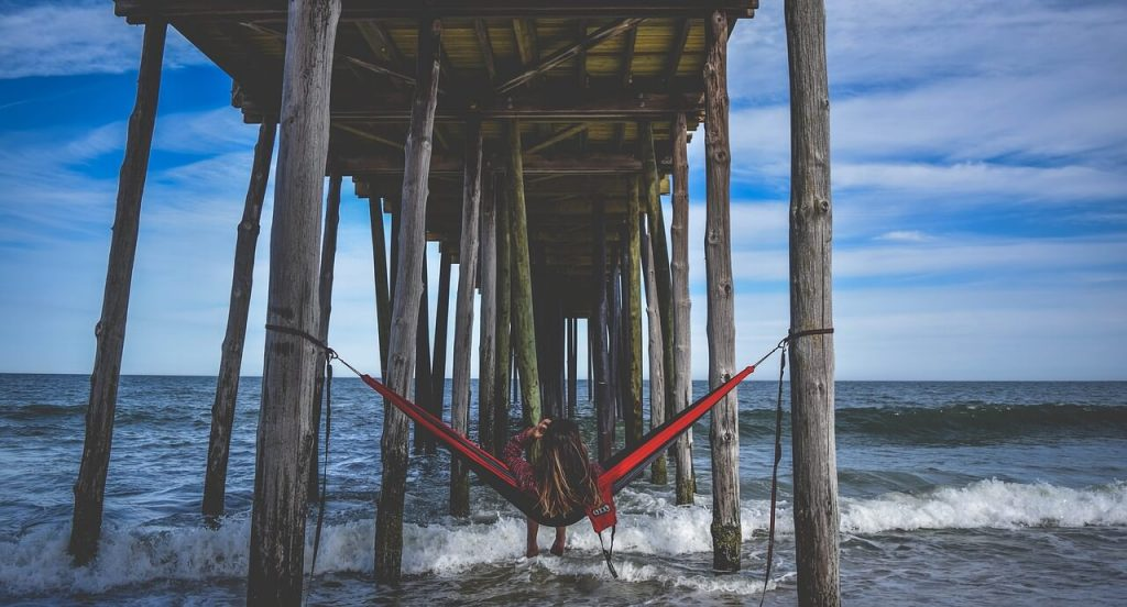 eno hammock in beach