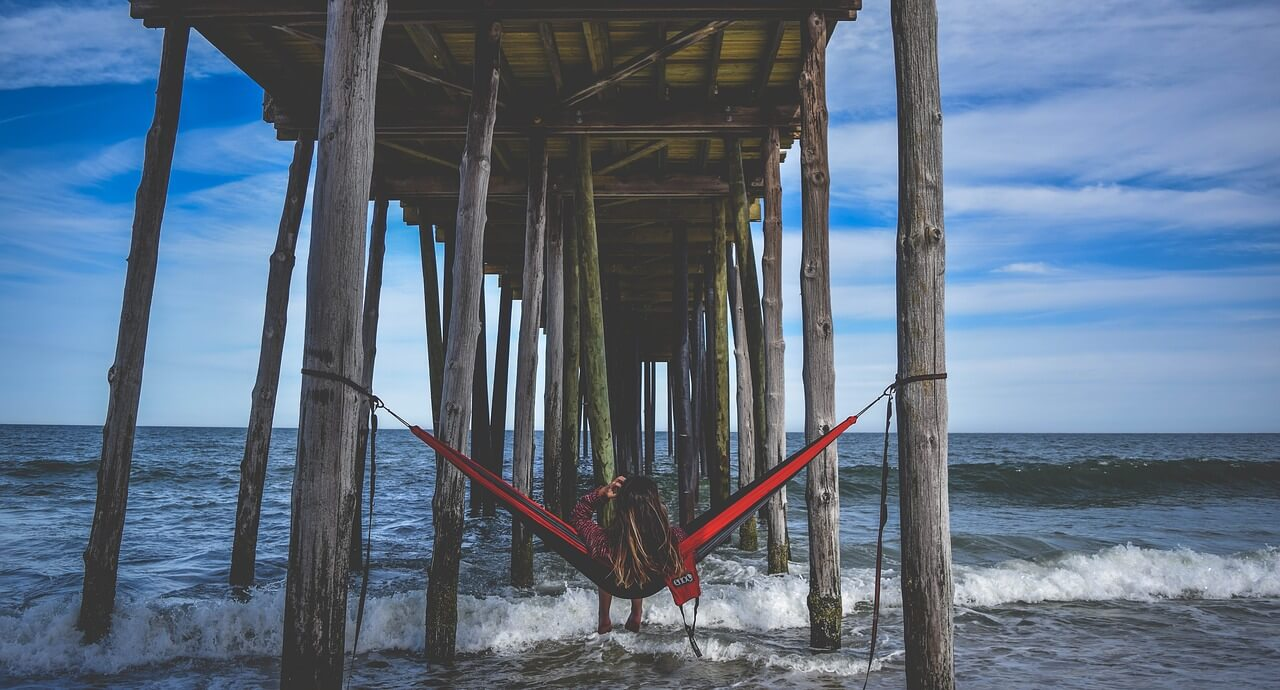 eno hammock in beach