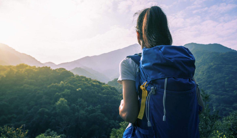 women solo traveler